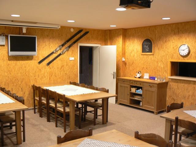 Ubytování v chatě Kačenka - jídelna