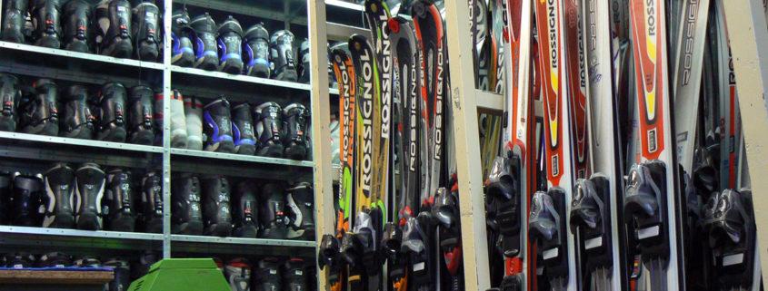 Půjčovna lyží a snowboardů Tendr v Deštném
