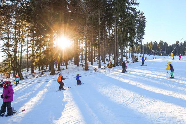 Škola lyžování pro děti Deštné